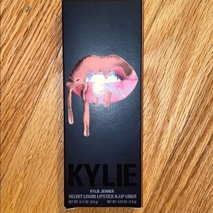 Kylie BARE Velvet liquid lipstick and lip liner